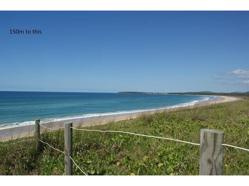 11 Macdougall St, Corindi Beach NSW 2456