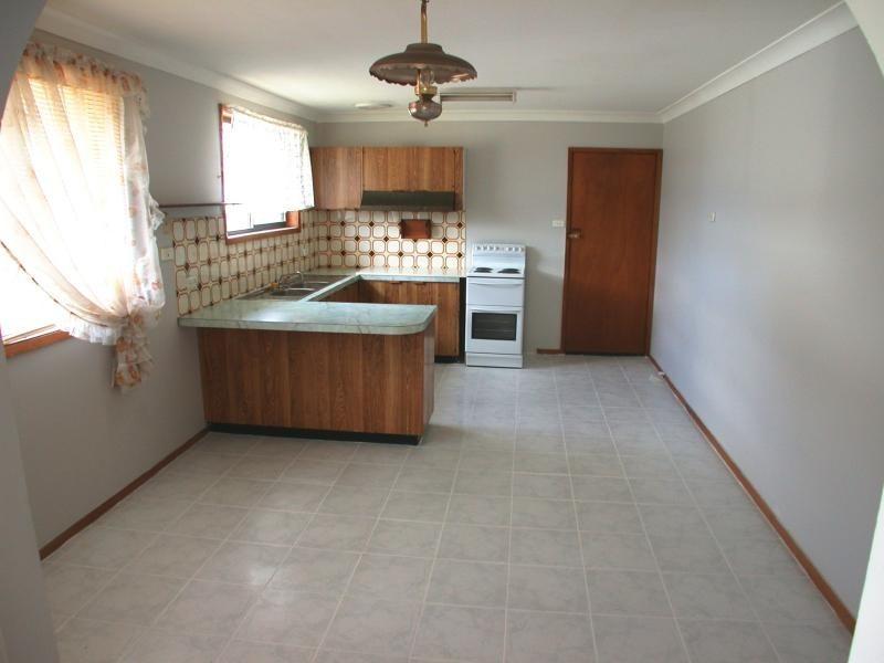 6 Sylvia Ave, Gorokan NSW 2263