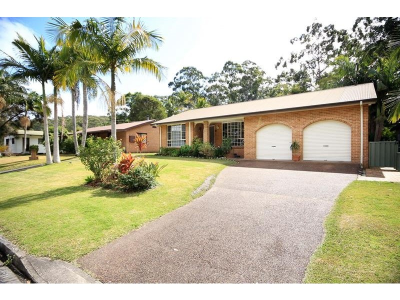 9 Windsor St, Tarbuck Bay NSW 2428