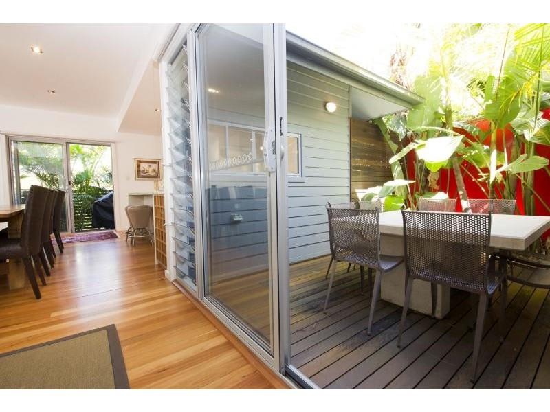 30 Lakeside Cres, Elizabeth Beach NSW 2428