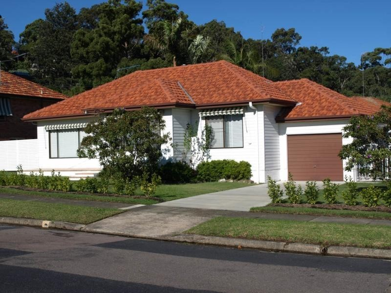 11 Clinton  Ave, Adamstown Heights NSW 2289