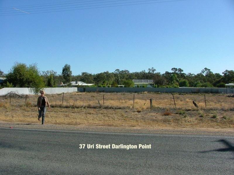 37 Uri St, Darlington Point NSW 2706