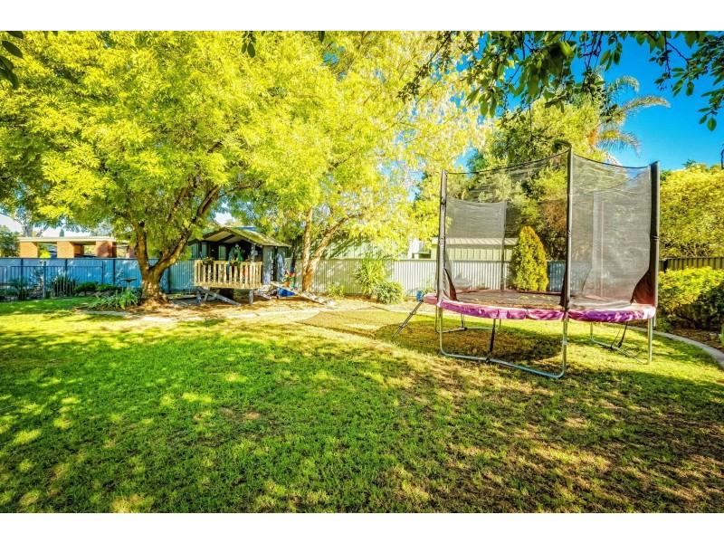 9 Troon Court, Thurgoona NSW 2640