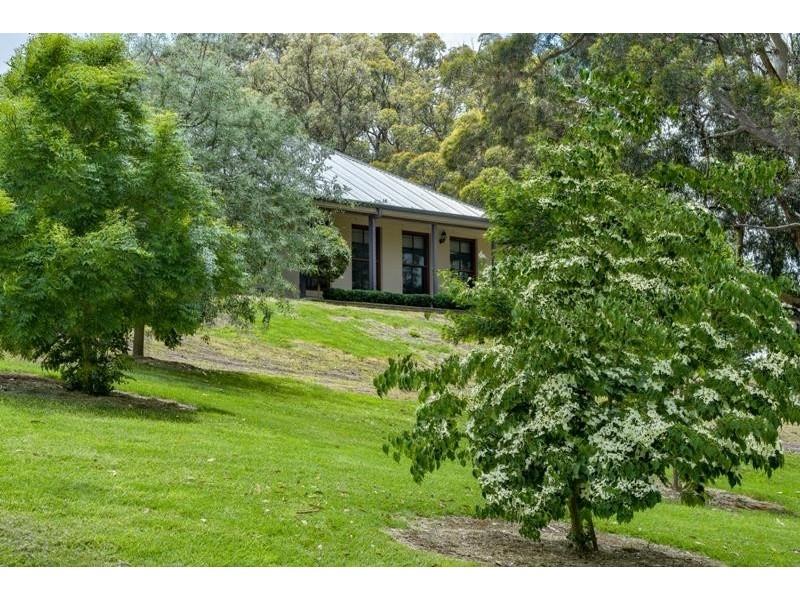 39 Brigadoon Dr, Bundanoon NSW 2578