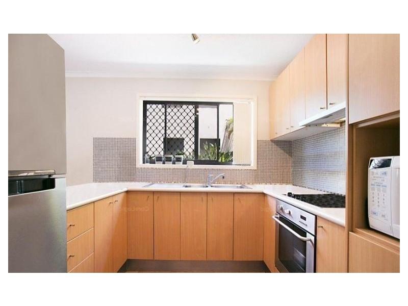 1/17 Britannia Avenue, Broadbeach QLD 4218