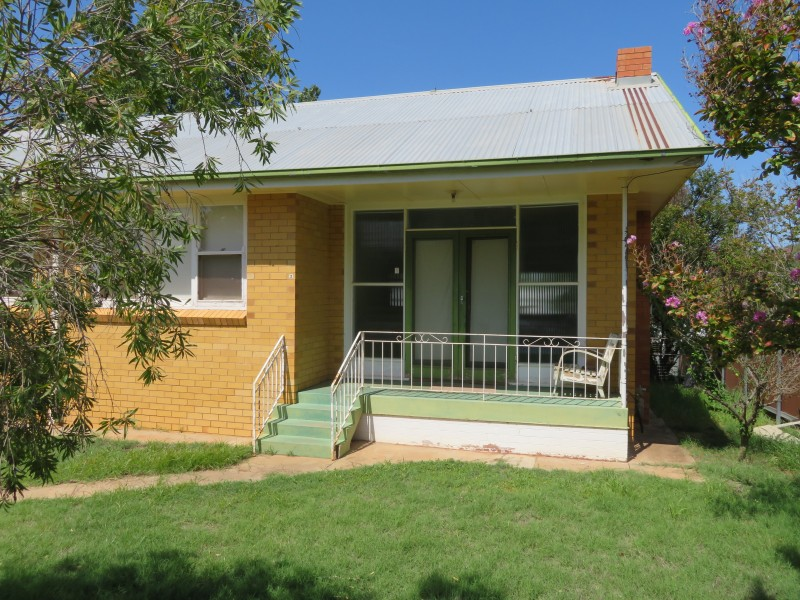 2/70 twynam street, Narrandera NSW 2700