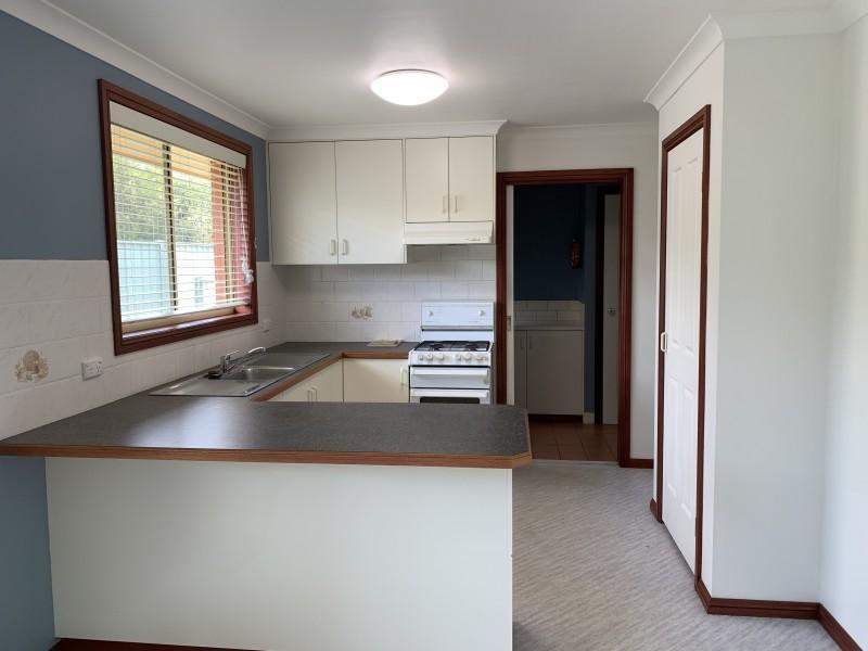 6/16 Keatinge Court, Lavington NSW 2641