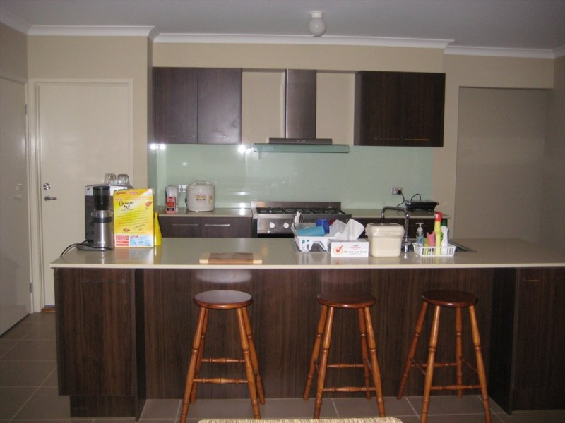 Room For Rent In Laverton