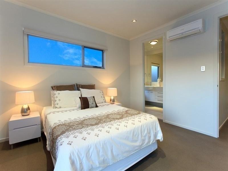 Lytton Road, East Brisbane QLD 4169