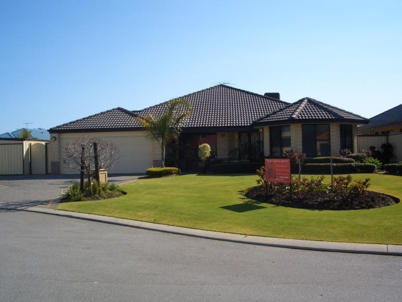 12 OXBURGH LINK, Success WA 6164