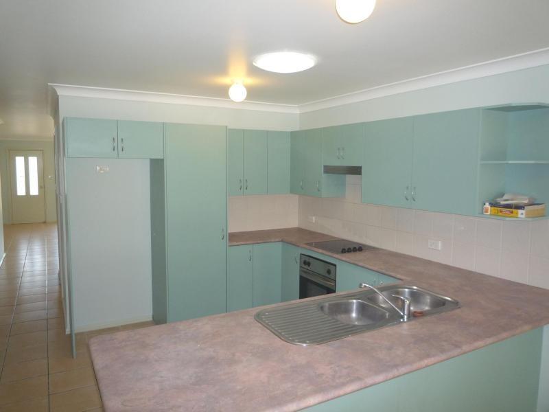 2/108 Weblands Street, Aberglasslyn NSW 2320