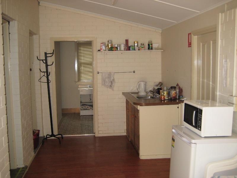 129 Piper Street, Bathurst NSW 2795