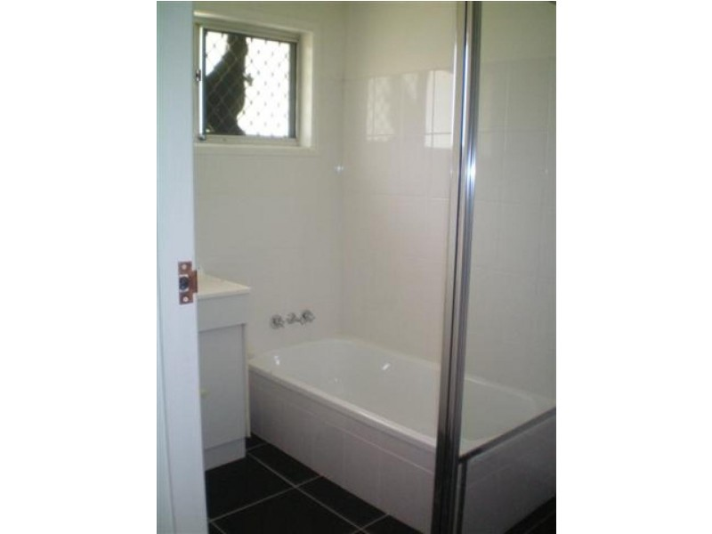 10 Farrington Ct, Daisy Hill QLD 4127