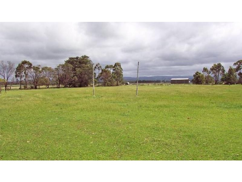 . CRN POUND ROAD & GELLIONDALE ROAD, Alberton West VIC 3971