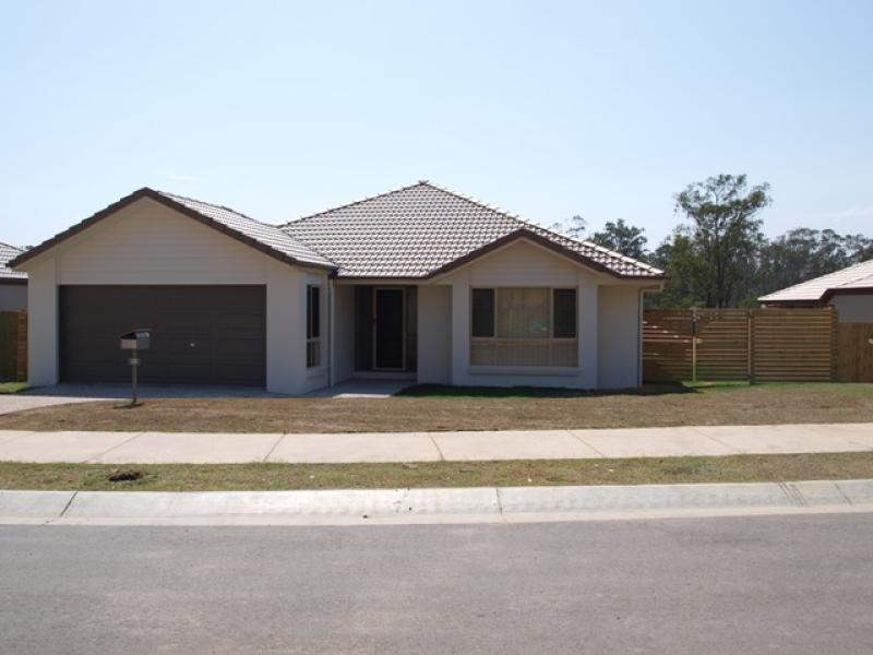 31 Eric Drive, Blackstone QLD 4304