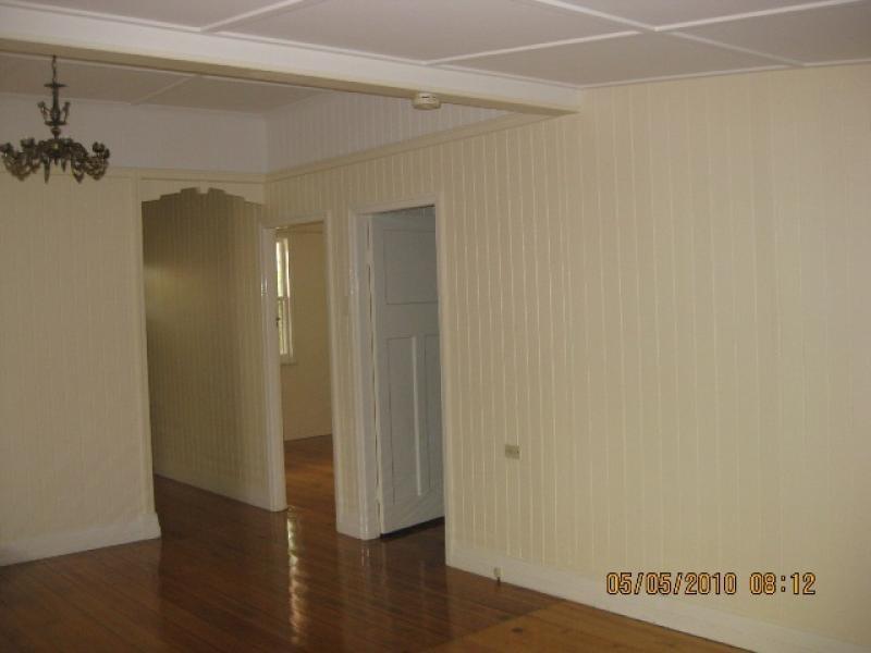 63 Queen Street, Blackstone QLD 4304