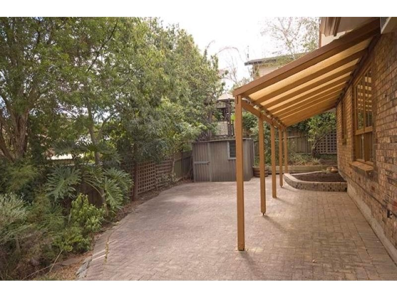 11 Horseshoe Drive, Aberfoyle Park SA 5159