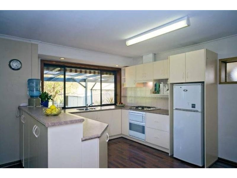 13 Veronica Street, Aberfoyle Park SA 5159