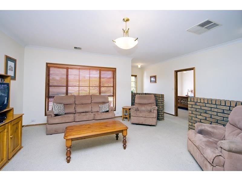 8 Coachwood Drive, Aberfoyle Park SA 5159