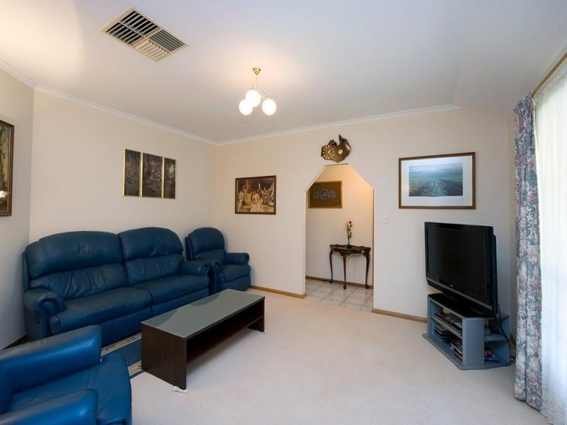 9 Goss Road, Aberfoyle Park SA 5159