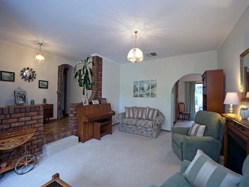 6 Hay Street, Aberfoyle Park SA 5159