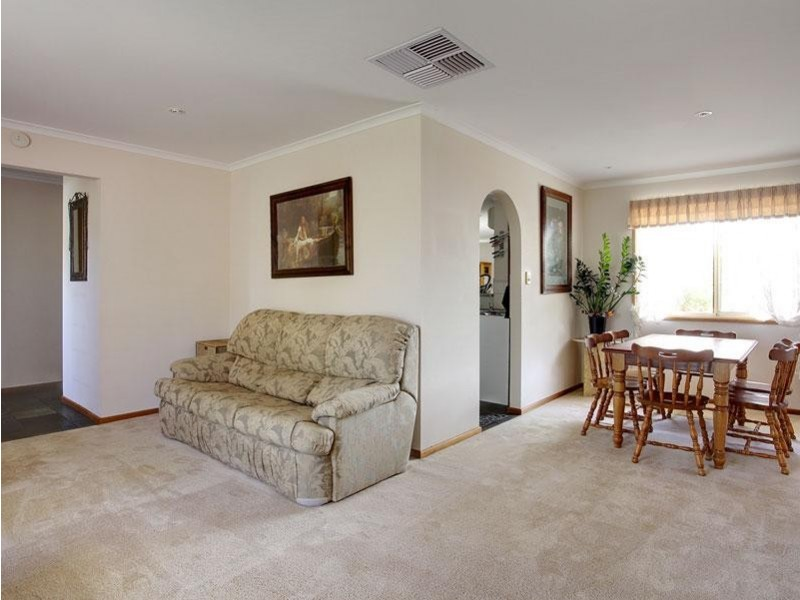 13 Carmine Court, Aberfoyle Park SA 5159