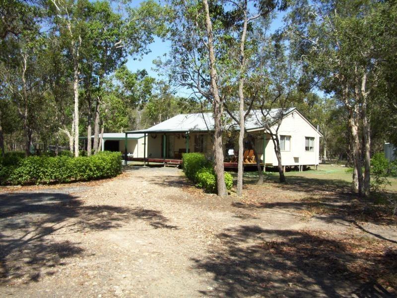 33 Amos Road, Booral QLD 4655