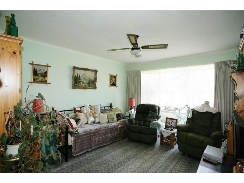 27 Henderson Street, Laverton VIC 3028