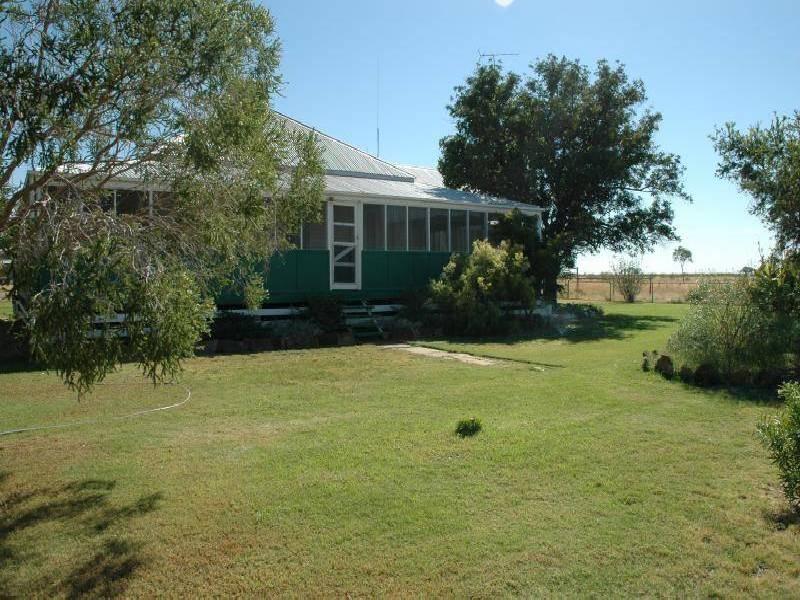 LOT 11/12/RY 25 HULTON ROAD, Barcaldine QLD 4725