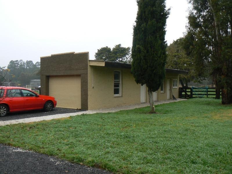 11 Park Road, Beaufort VIC 3373