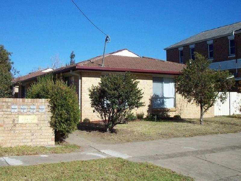 UNITS 1-4/83 TUMUT STREET, Adelong NSW 2729