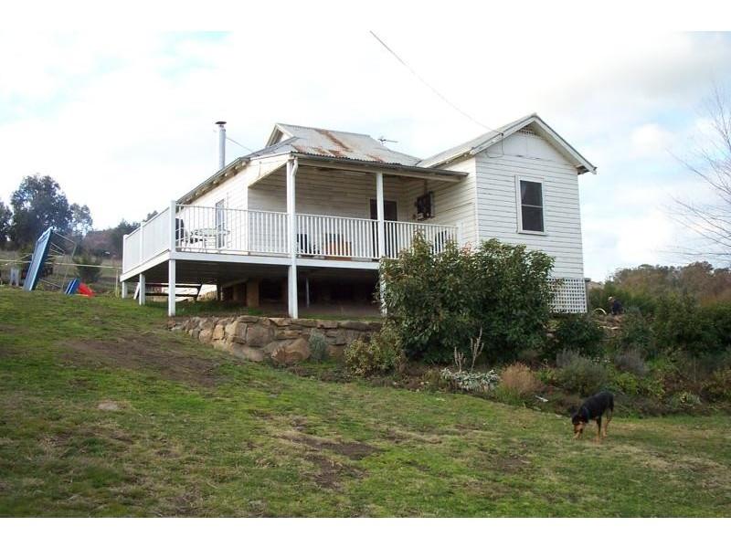 23 Bleak Street, Adelong NSW 2729