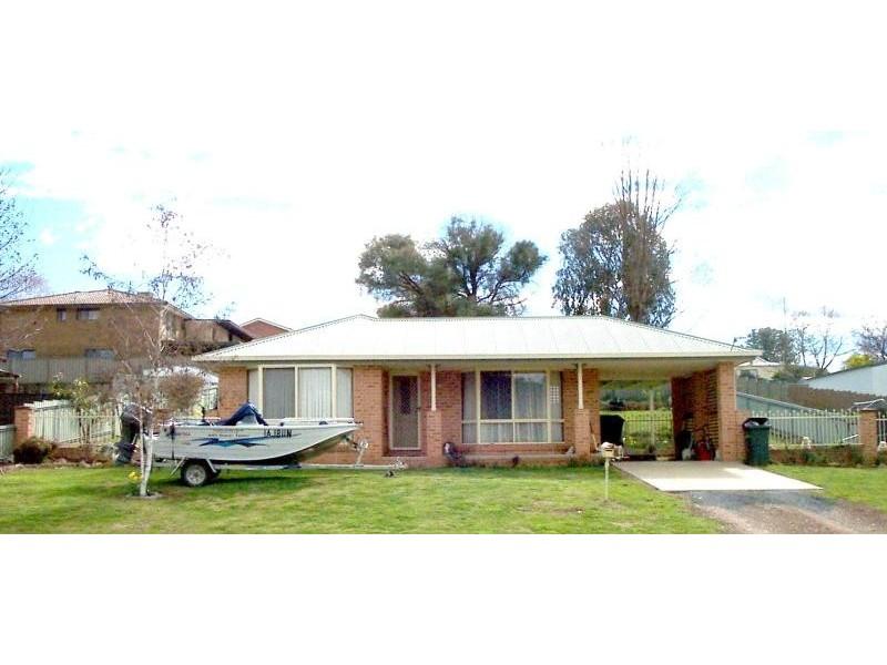 119 WNYDHAM STREET, Adelong NSW 2729