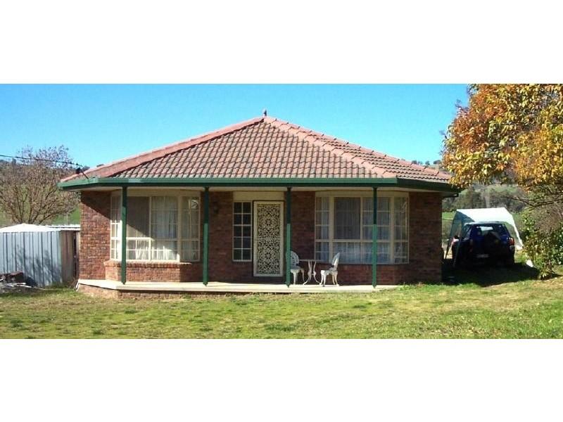 15 a Selwyn Street, Adelong NSW 2729