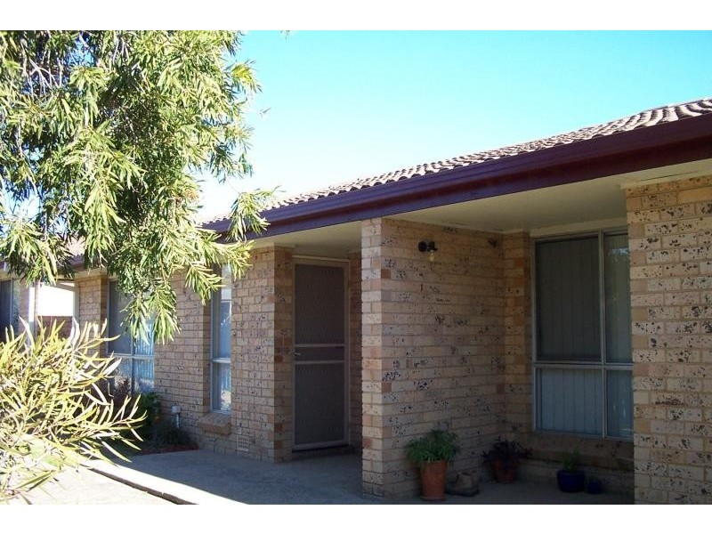 UNIT 2/83 TUMUT STREET, Adelong NSW 2729