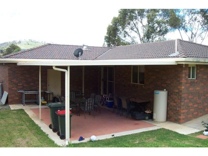 27 LYNCH STREET, Adelong NSW 2729