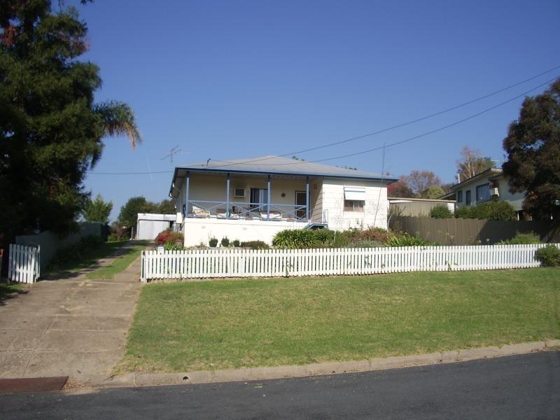 91 Lynch Street, Adelong NSW 2729