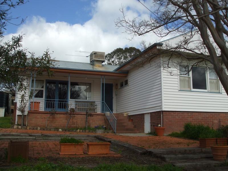 375 Grahamstown Road, Adelong NSW 2729