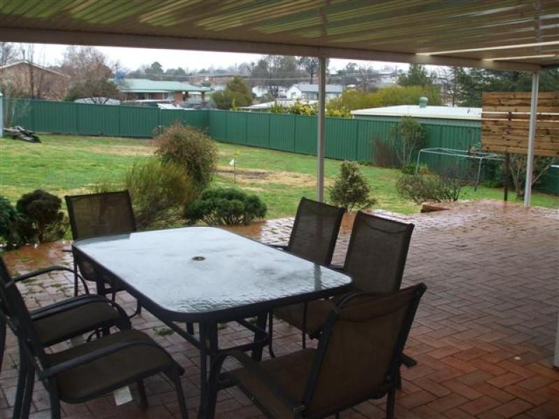 17 Tumut Street, Adelong NSW 2729