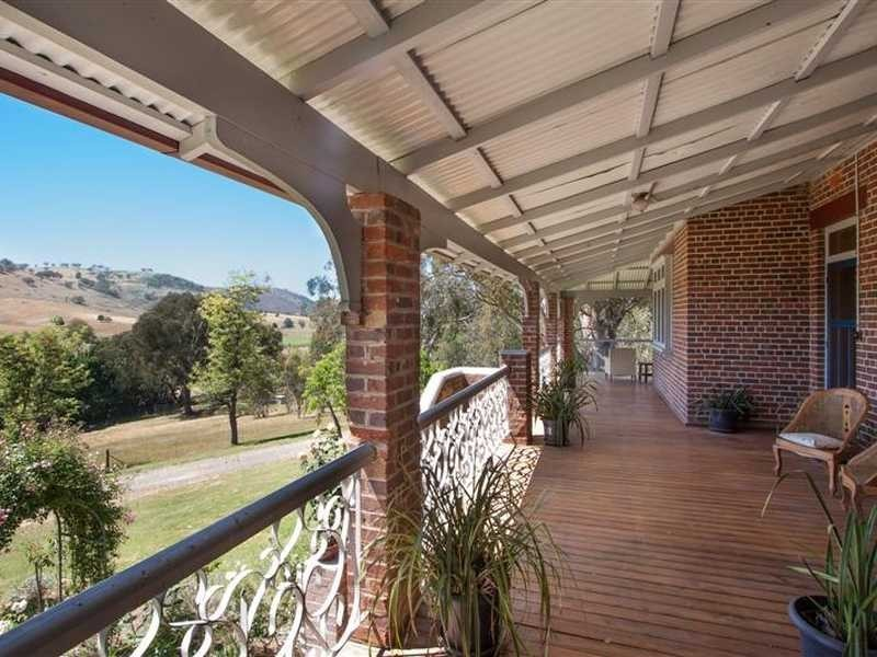 729 Grahamstown Road, Adelong NSW 2729