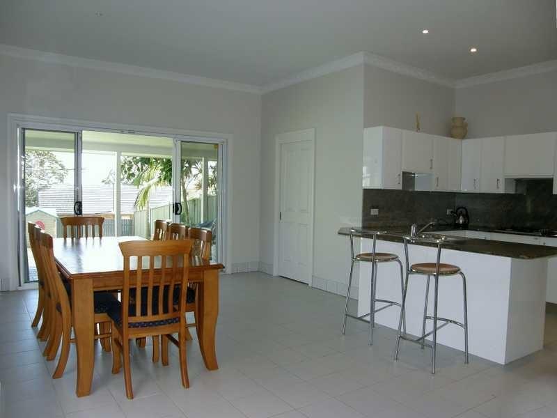 14B Lasseter Avenue, Chifley NSW 2036