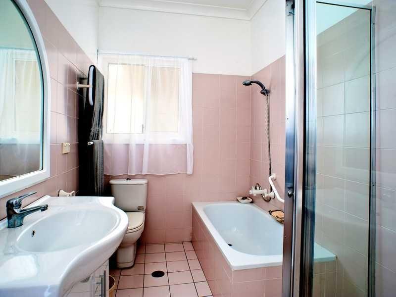 39 Lasseter Avenue, Chifley NSW 2036