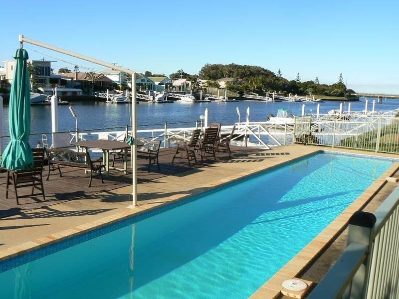 27 Pelican Waters Boulevard, Pelican Waters QLD 4551