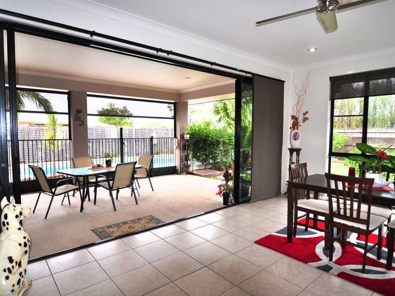 52 Creekside Esplanade, Cooloola Cove QLD 4580