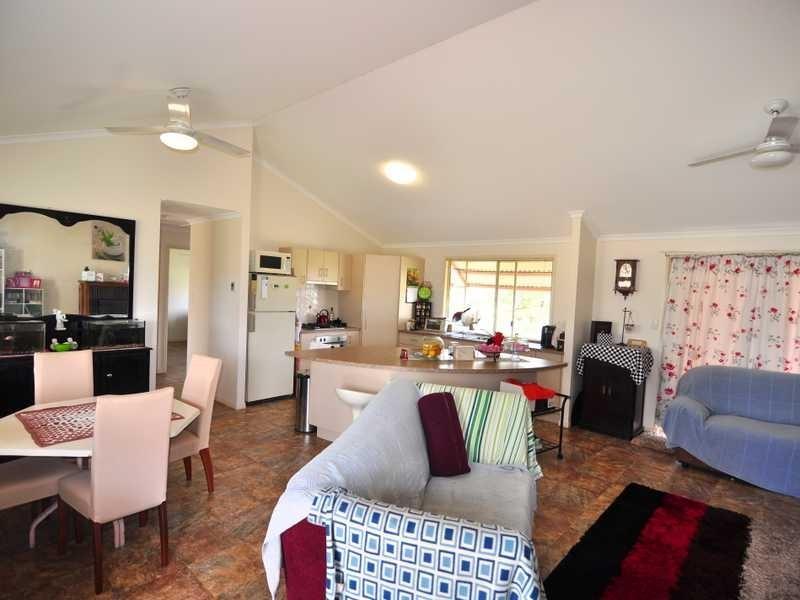 40 Canberra Avenue, Cooloola Cove QLD 4580