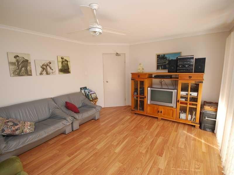 Unit 2/27 Camfield Street, Alexandra Headland QLD 4572