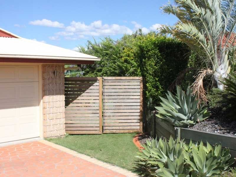 16 Cassinia Place, Flinders View QLD 4305