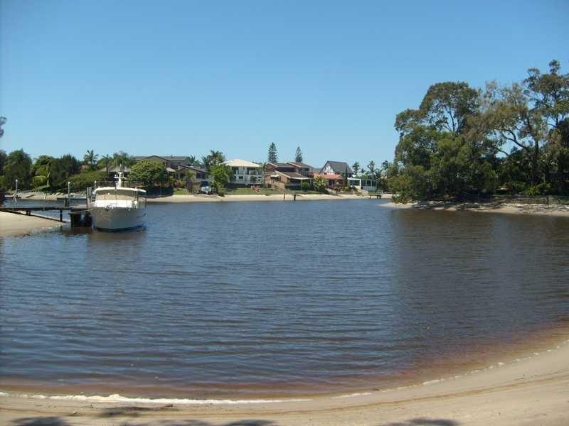 45 River Crescent, Broadbeach Waters QLD 4218