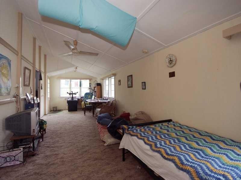 71 Hayward Street, Mooroobool QLD 4870