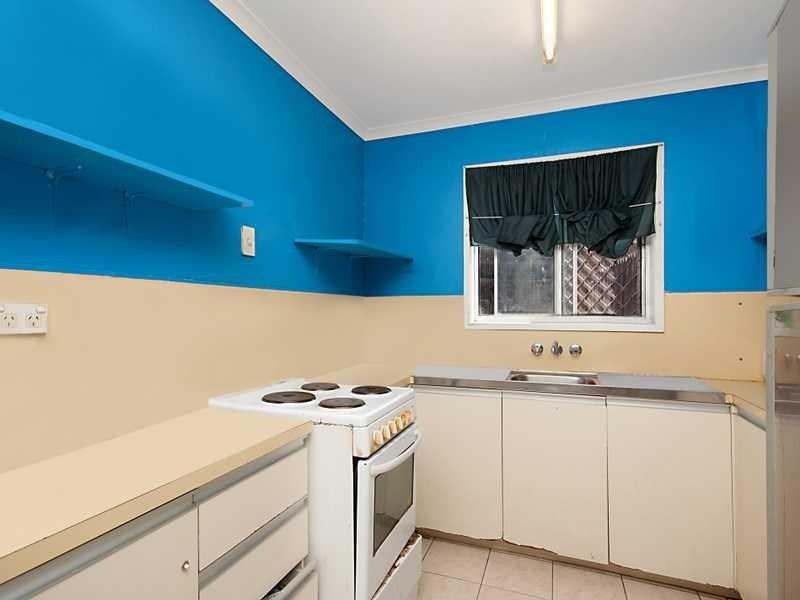 30 Long Street, Mooroobool QLD 4870